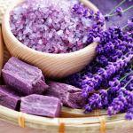 Chia sẻ bí quyết làm đẹp với tinh dầu Oải Hương nguyên chất