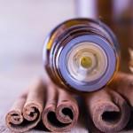 Sử dụng tinh dầu quế để làm gì?