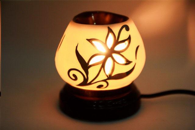 Tạo hương thơm tự nhiên với đèn đốt tinh dầu