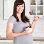 Bà bầu có nên ăn sữa chua thường xuyên không?