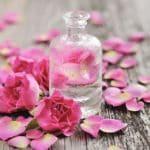 Những yếu tố cần có của một chai nước hoa hồng tốt