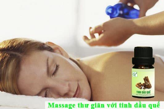 Massage-thu-gian-voi-tinh-dau-que