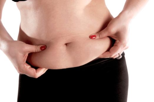 Tinh dầu quế có khả năng sinh nhiệt, hóa lỏng mỡ nên được sử dụng để đánh tan mỡ bụng